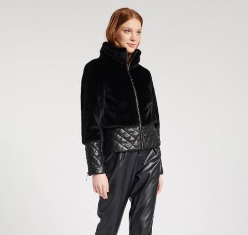 immagine 3 di Giubbino da donna in pelliccia ecologica della gaudì fashion con zip