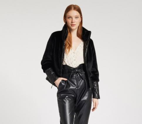 immagine 2 di Giubbino da donna in pelliccia ecologica della gaudì fashion con zip