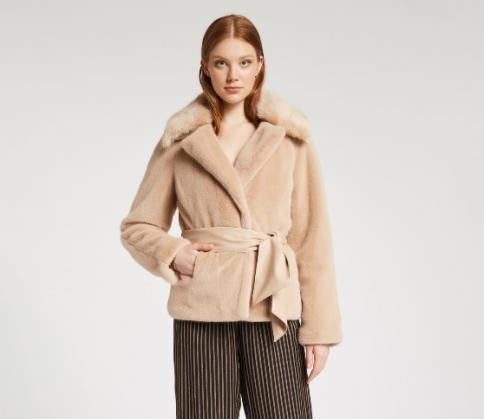 immagine 4 di Pellicciotto gaudì fashion